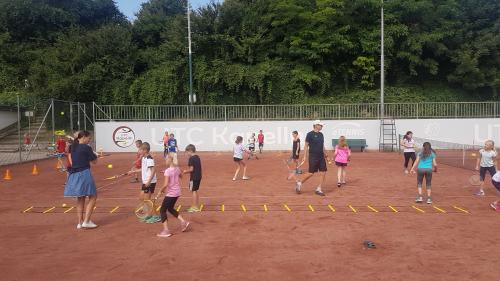 VS Kinder am Tennisplatz